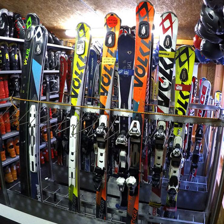 Zabezpečujeme kvalitný servis pre Vaše lyže 207d8f115ec